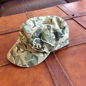 NWOT‼️PUMA Camouflage 🐾